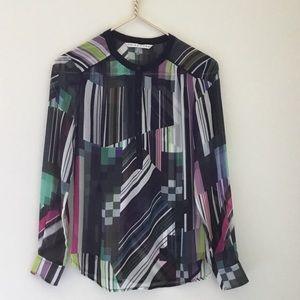 Trina Turk top geometric print size XS 100% silk